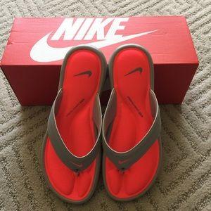 BNWT-Nike Women Ultra Comfort Thong Flip Flops